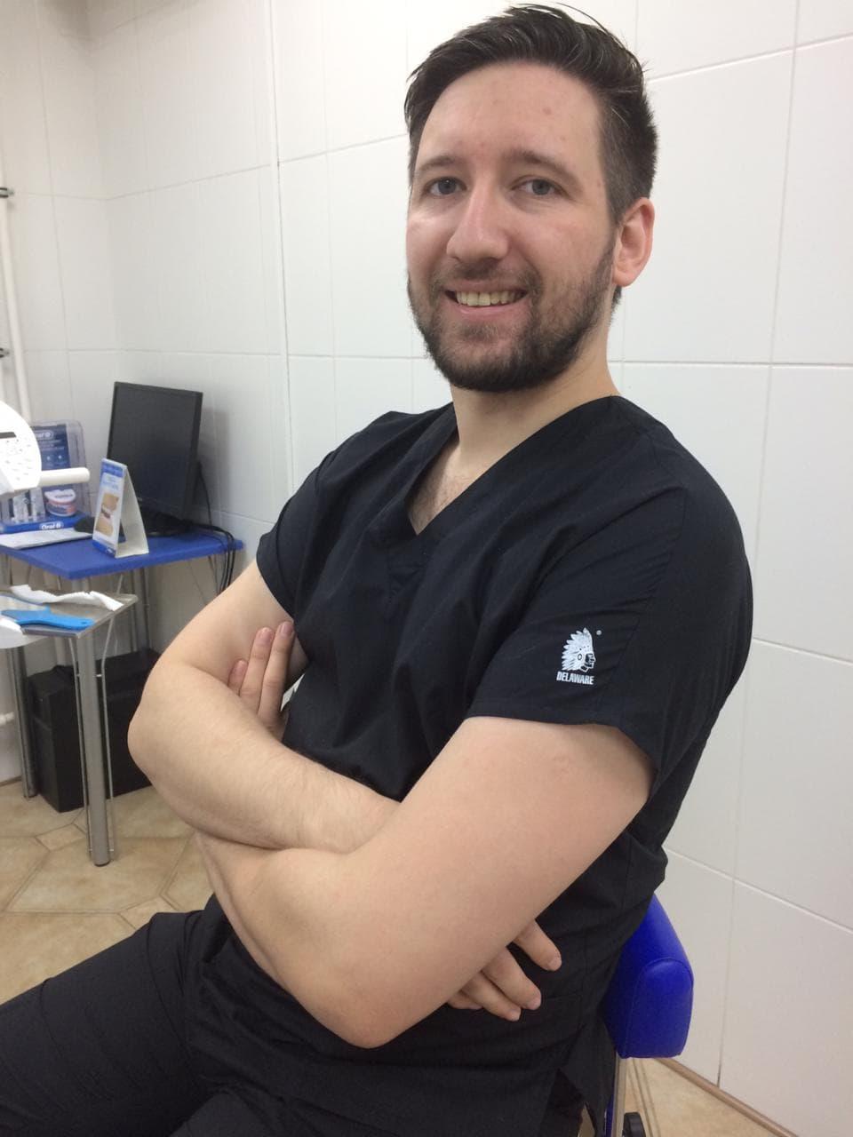 Врач-стоматолог, терапевт-хирург Галлямов Рамис Равильевич